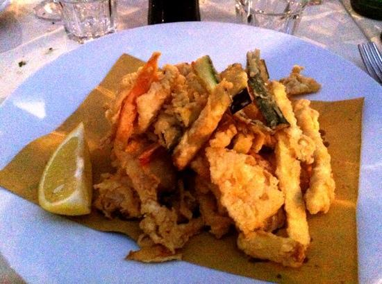 Ristorante Cassiopea: fritto di mare con verdure