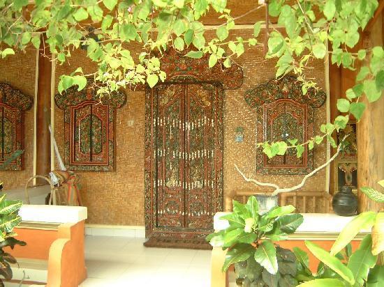 Bunga Bungalo: terrace of one room