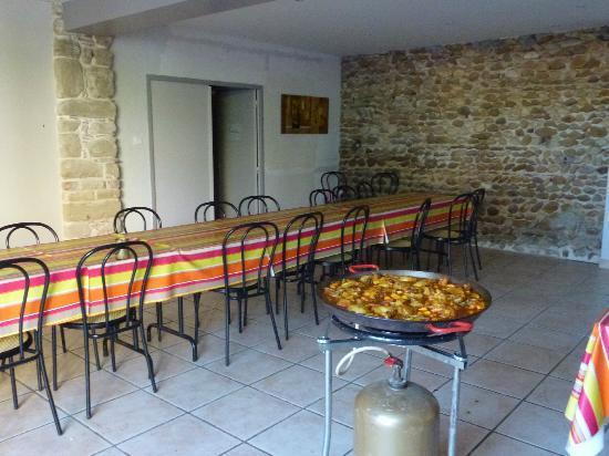 Le Pre aux Anes: Salle à manger.