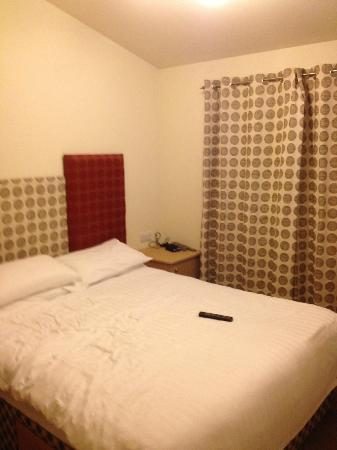 Parkdean - St Minver Holiday Park : Master Bedroom