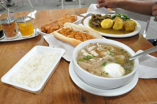 Nieuw Albina: A chicken soup, curry beef roti and the banana treat