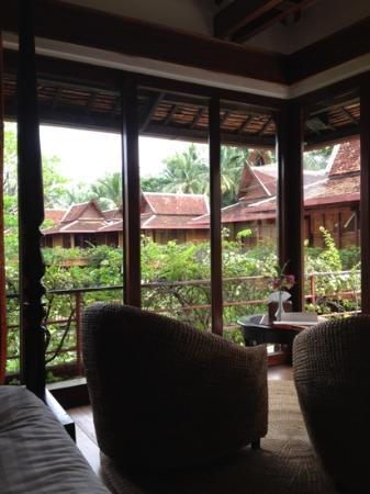 Angkor Village Resort: vue depuis le lit