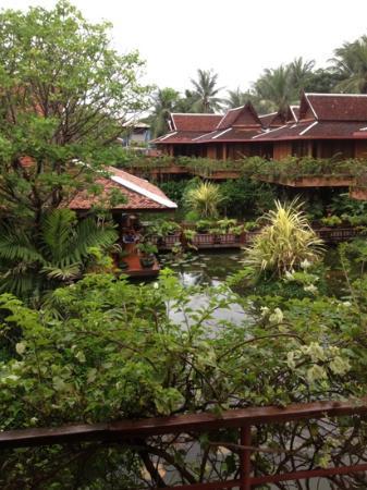 Angkor Village Resort: vue depuis la chambre