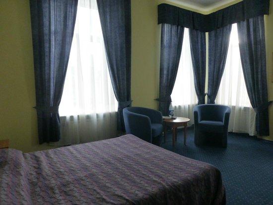 Primavera:                                                                         Camera-suite n.7 - Room-