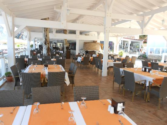 Club Adakoy Resort Hotel: Dining area