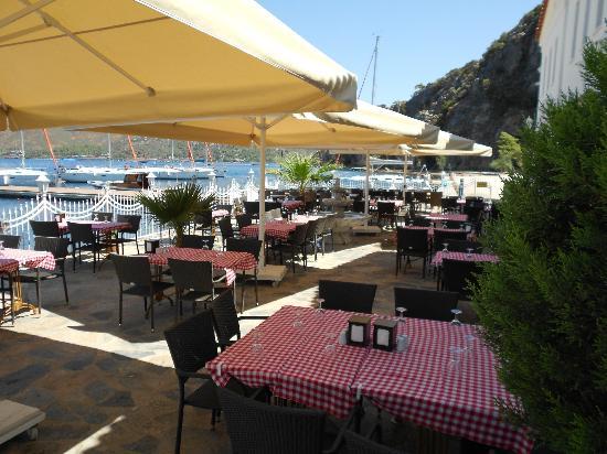 Club Adakoy Resort Hotel: Patio Dining area next to main area