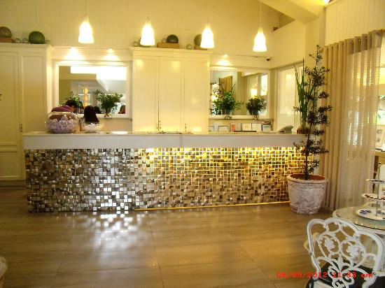 The Inn at Cliffhouse Tagaytay: Reception