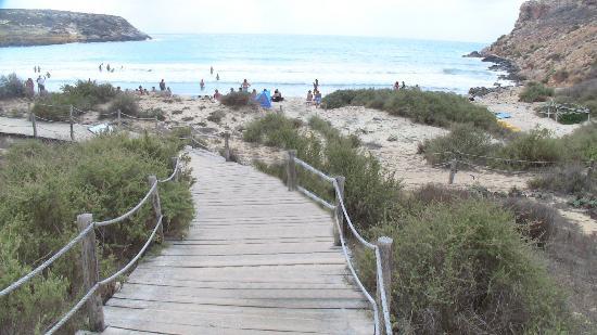 Spiaggia dei Conigli: Sentiero per la spiaggia