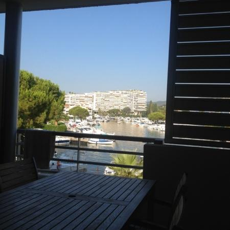 Residence Carre Marine : vue depuis la terrasse sur la marina
