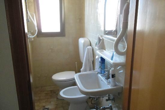 Hotel Atenea : bagno areato