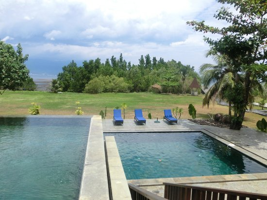 NDC Resort & Spa Manado:                                     2つのプール