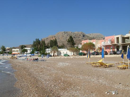 Kozas Studios: Vista dalla spiaggia