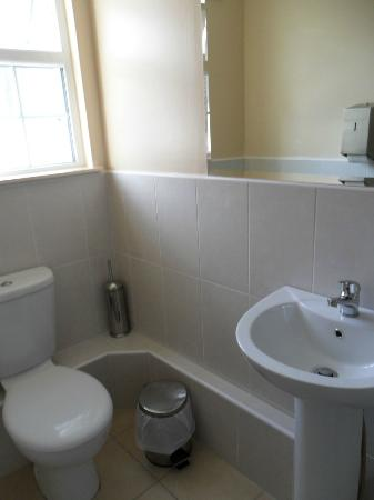 Times Hostels - Camden Place: Bagno privato