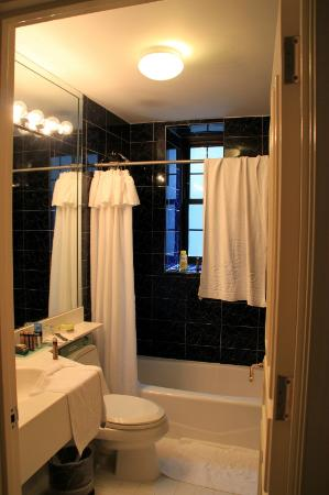 Fitzpatrick Grand Central Hotel: Bathroom
