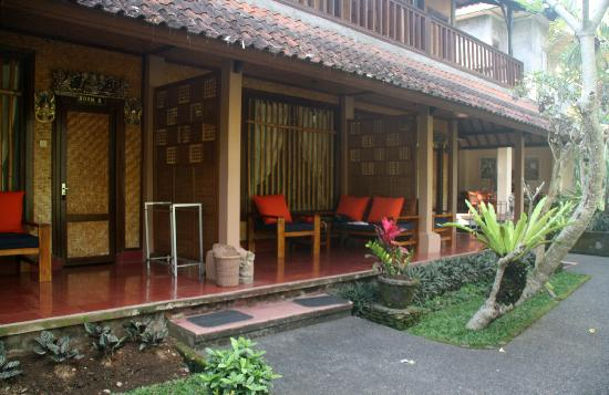 Jati Home Stay: Rooms front