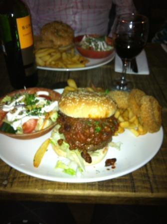 mmmmmmmm, The cookhouse burger.