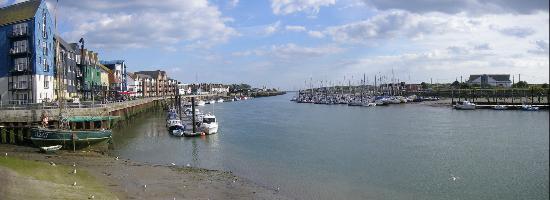 Harbour Park: Panorama of Littlehampton Harbour