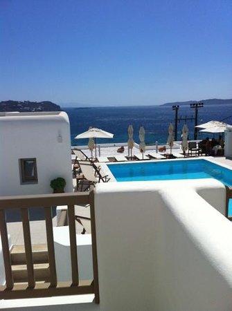 Lithos by Spyros & Flora : vista suite
