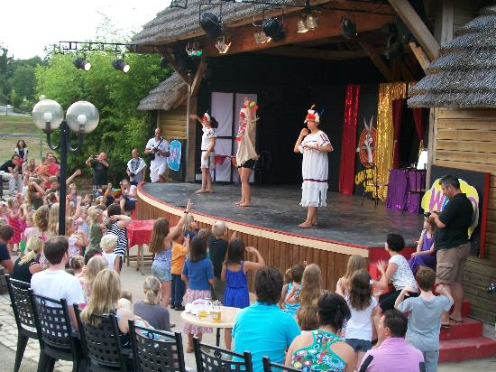 Les Alicourts Resort: kids disco