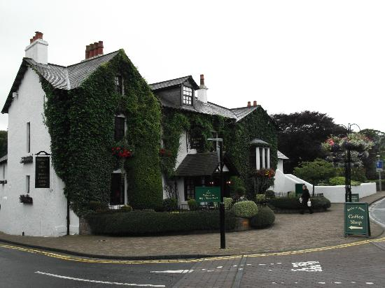 Brig O Doon Hotel: from the main road