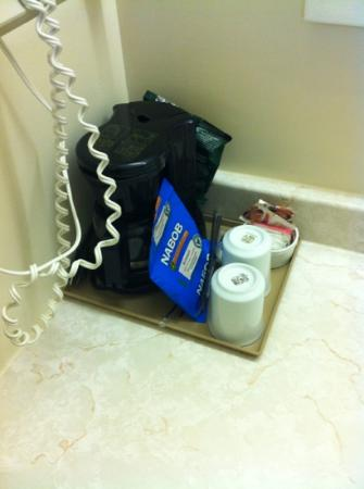 Colonial Resort & Spa: Free coffee offered with booking...why is it in the washroom?