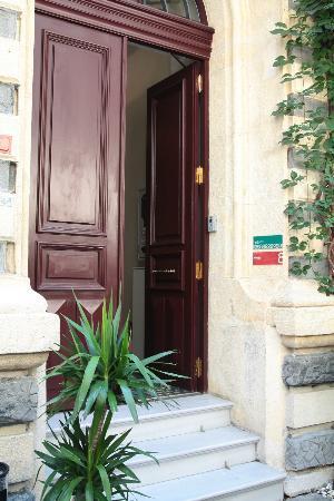 Misafir Suites 8 Istanbul: Ingresso dell'hotel