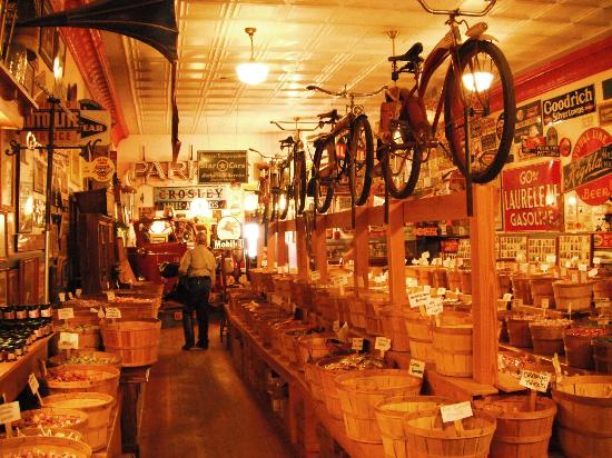 Montana Candy Emporium: In awe of the displays