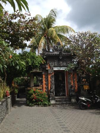 Adi Dharma Cottages: Enterance