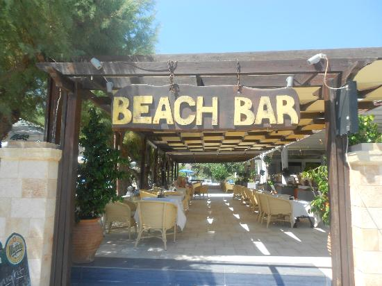 Elvita: The beach bar