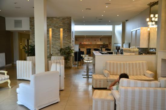 Deep Blue Hotel & Hot Springs: Lobby