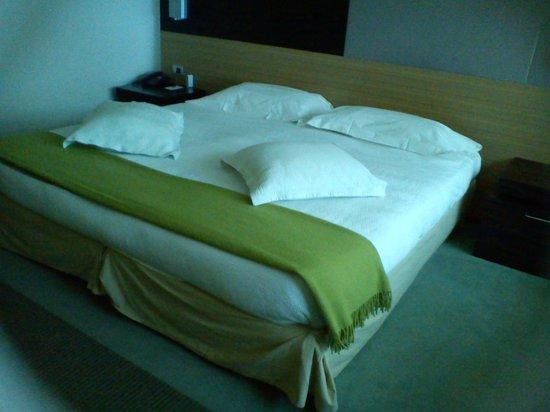 NH Laguna Palace:                   chambre