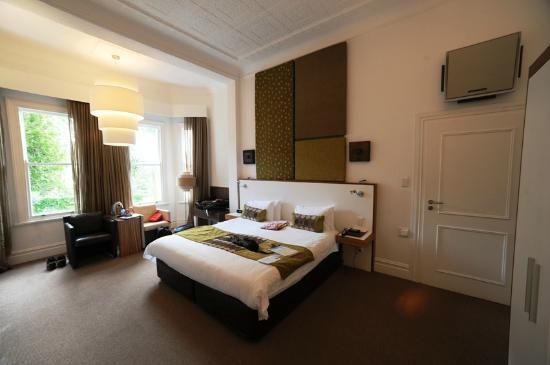 2Inn1  Kensington: Room in 2Inn1