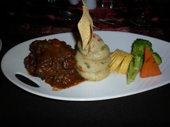 Trios Caribbean Fusion Restaurant : A Delightful Main-course!
