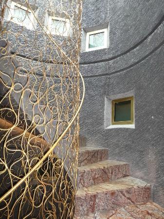 Hotel Bagues: Sheik stairwell
