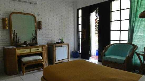 Puri Kelapa Garden Cottages: Room