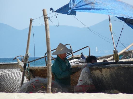 Cua Dai Beach: Fishermen