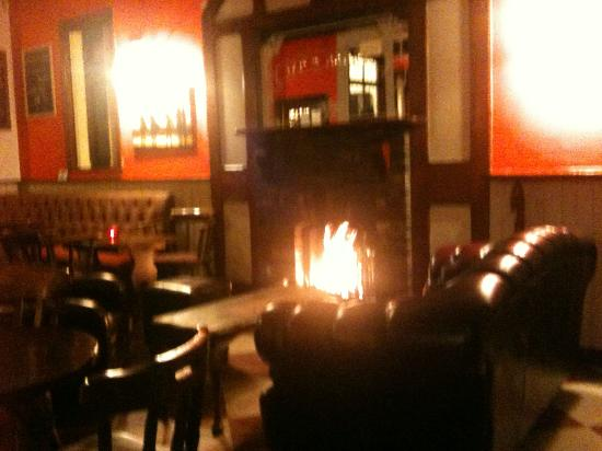 Tap and Barrel: Cosy Log Fire