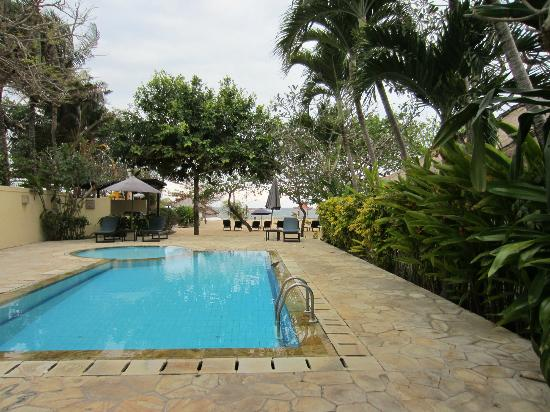 Benoa Beach Front Villas & Spa: la piscine
