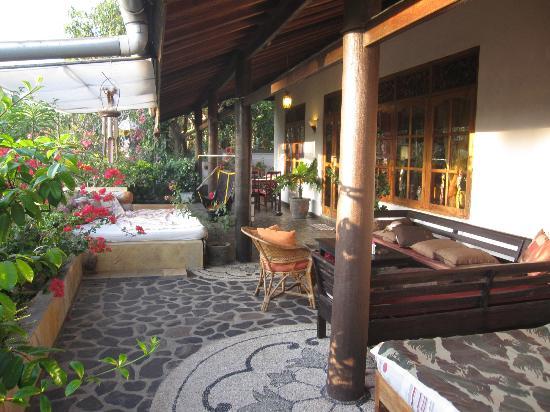 Villa Lumbalumba Lovina Bali: Luxe bescheiden villa met gast verblijven, schoon, perfect