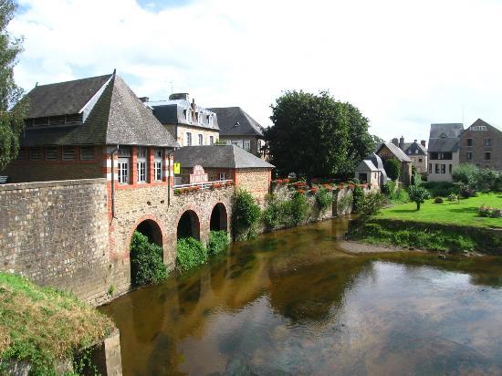 Auberge de La Sélune : vista sul fiume