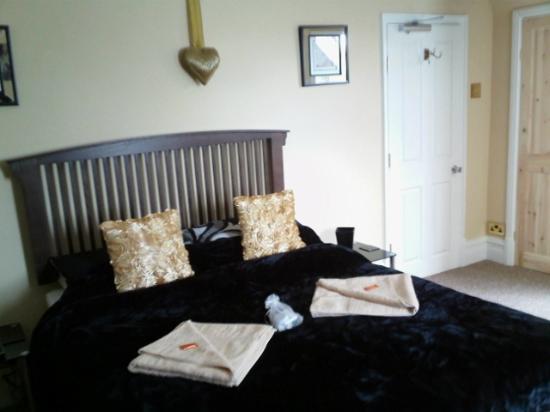 Hartshill, UK: en suite guest room