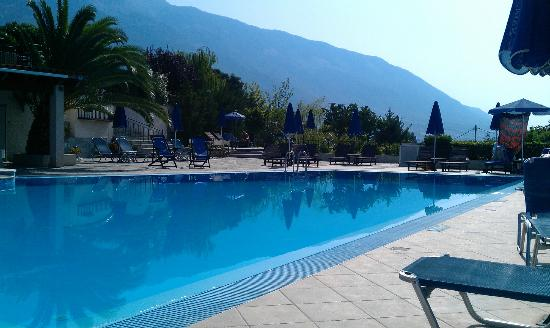 Trapezaki Bay Hotel: The pool