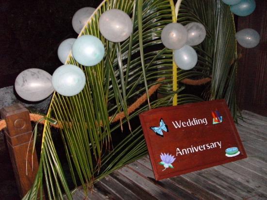 Vivanta by Taj Coral Reef Maldives: Überraschung zum Hochzeitstag