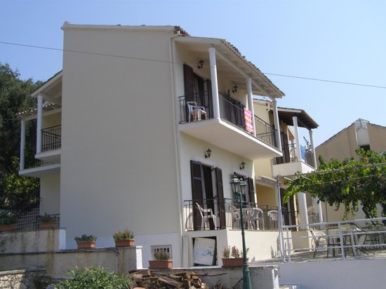 Dimitrakis Apartments