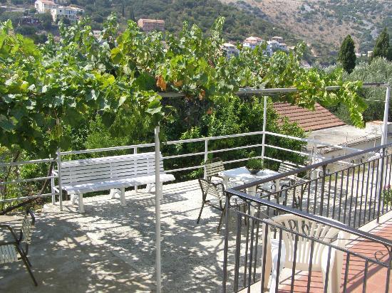 Dimitrakis Apartments