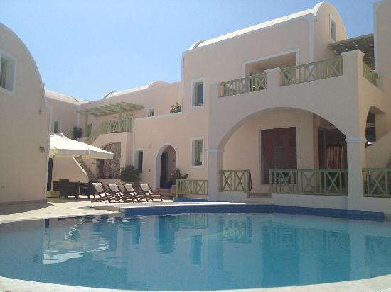 Anassa Deluxe Suites: piscina