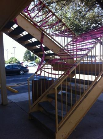 La Quinta Inn Midland: hotel has some safety concerns
