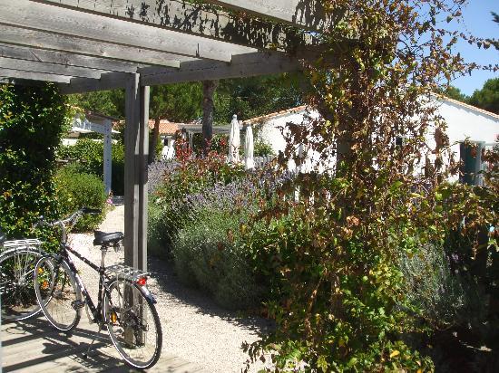 La Villa Passagere Hotel : terrasse chambres