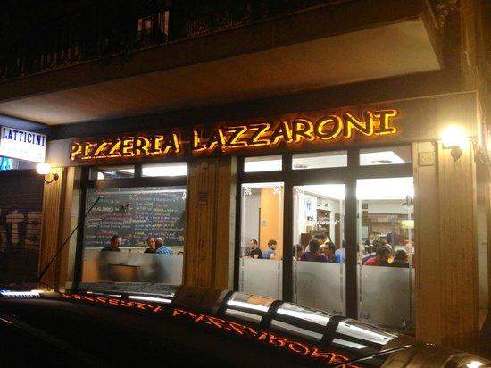 Lazzaroni: Il locale da fuori