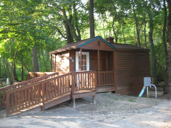 Big Oaks Family Campground: bathroom by cabins 1-10